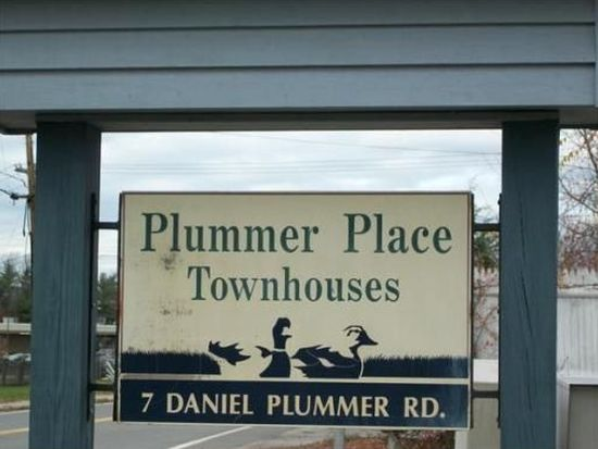 7 Daniel Plummer Rd APT B, Goffstown, NH 03045