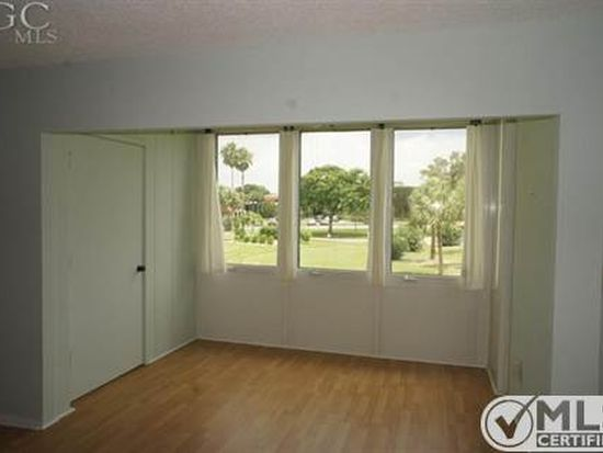 1828 Pine Valley Dr APT 215, Fort Myers, FL 33907