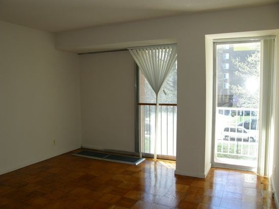 301 G St SW APT 615, Washington, DC 20024