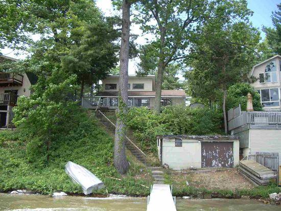 4359 Lake Ave, Interlochen, MI 49643