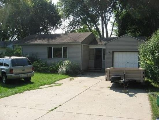 8609 Ramble Rd, Wonder Lake, IL 60097