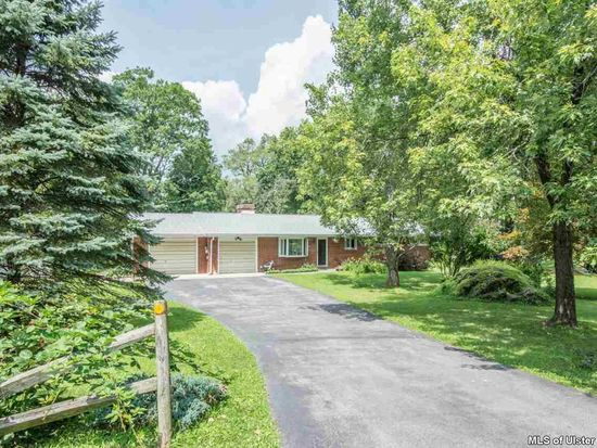 1 Pine Tree Dr, New Paltz, NY 12561
