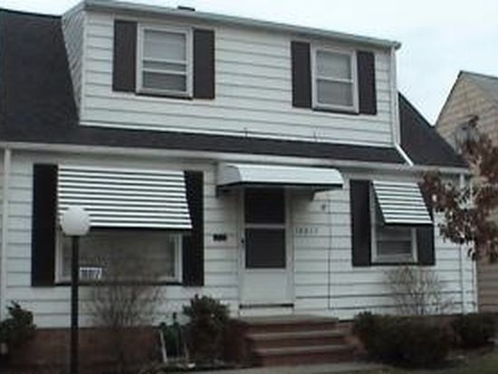 16017 Rockside Rd, Maple Heights, OH 44137