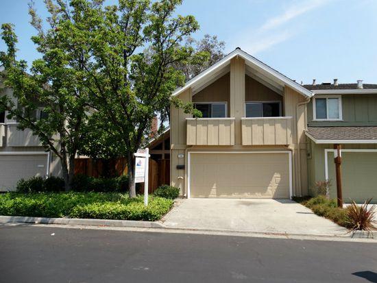 136 Pine Wood Ln, Los Gatos, CA 95032