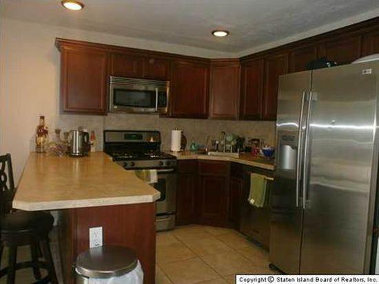 42 Aviston St, Staten Island, NY 10306
