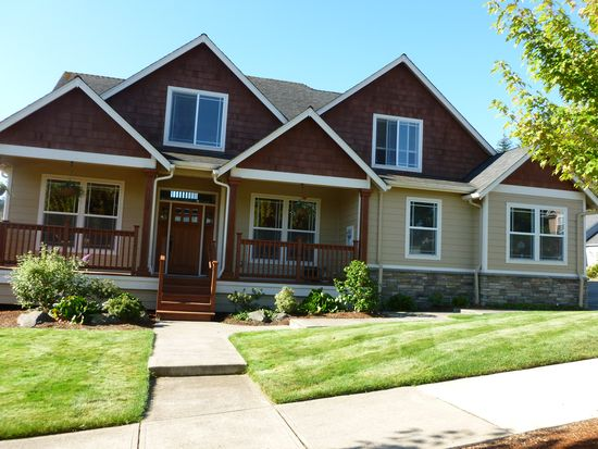 1502 Lakeview Dr, Silverton, OR 97381