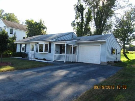 37 Constance St, Bedford, NH 03110