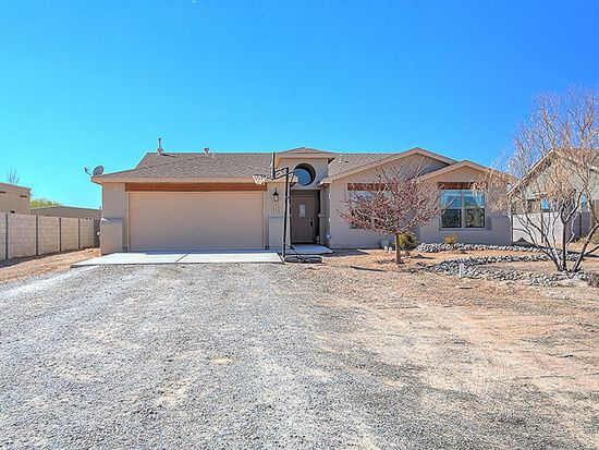 625 6th St NE, Rio Rancho, NM 87124