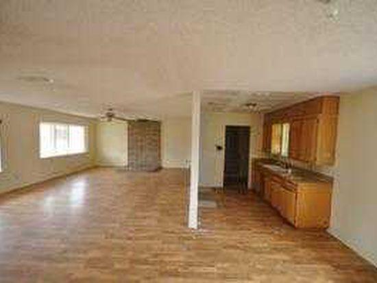 1205 W Lindsey St, Breckenridge, TX 76424