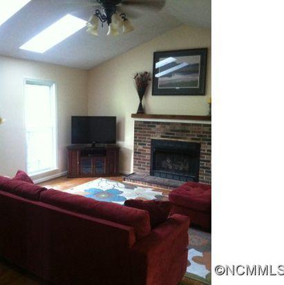 496 Peniel Rd, Columbus, NC 28722