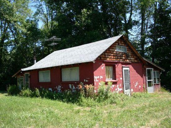 592 Point Rd, Willsboro, NY 12996