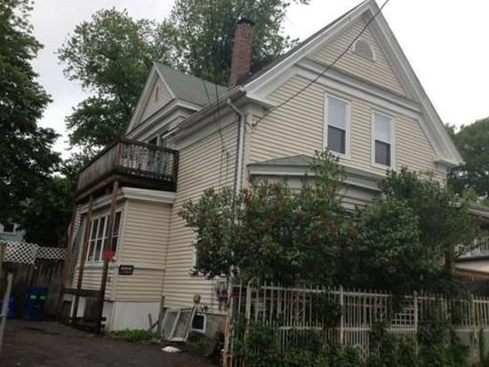 12 Monmouth St, Lawrence, MA 01841