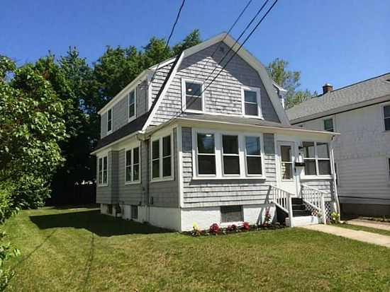 37 Rounds Ave, Providence, RI 02907