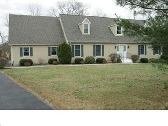 4 Horseshoe Ct, Middletown, DE 19709