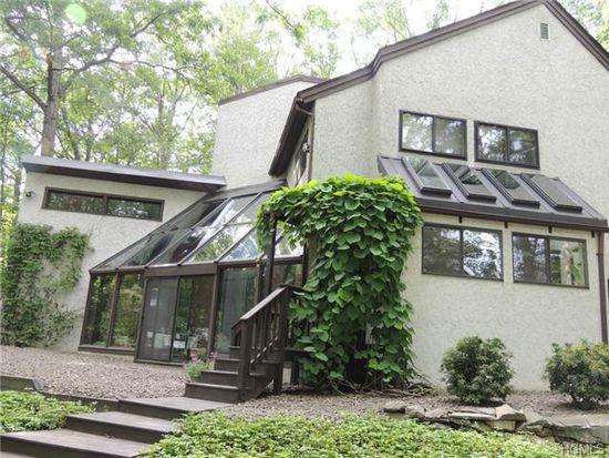 8 Ice House Rd, Highland Mills, NY 10930