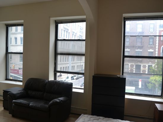 310 2nd Ave APT 2A, New York, NY 10003