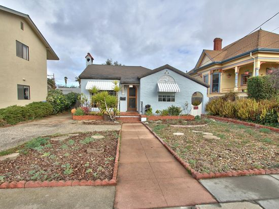 1221 7th St, Monterey, CA 93940