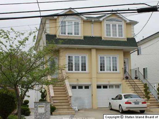 523 Mill Rd, Staten Island, NY 10306