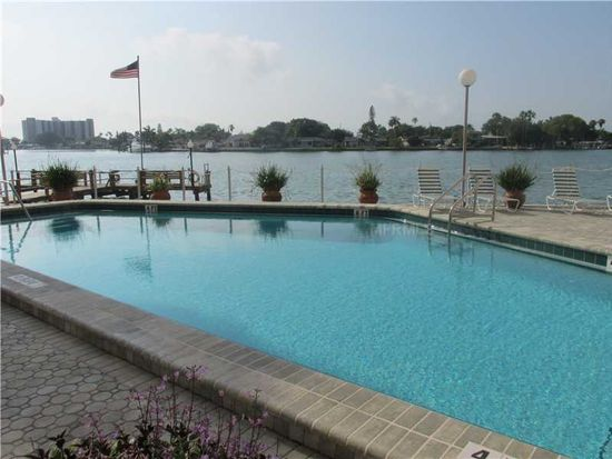 285 107th Ave APT 706, Treasure Island, FL 33706