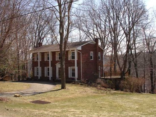 128 Iroquois Dr, Butler, PA 16001