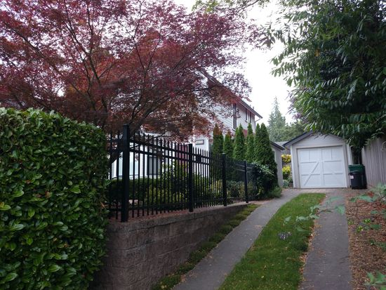 5854 Mckinley Pl N, Seattle, WA 98103