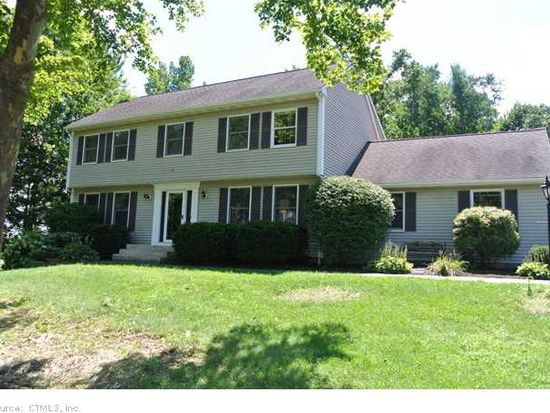 14 Red Oak Hl, Bloomfield, CT 06002
