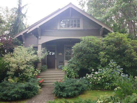 1736 45th Ave SW, Seattle, WA 98116