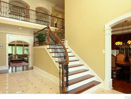 907 Dominion Hill Dr, Cary, NC 27519