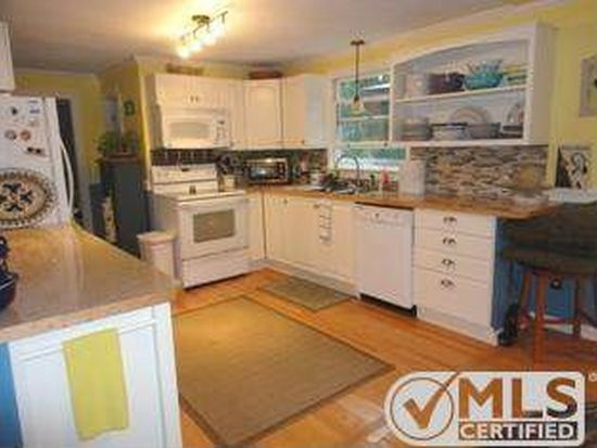 5 County Seat St, Hyannis, MA 02601