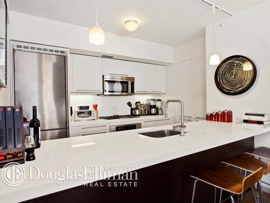 311 E 11th St # 2E, New York, NY 10003