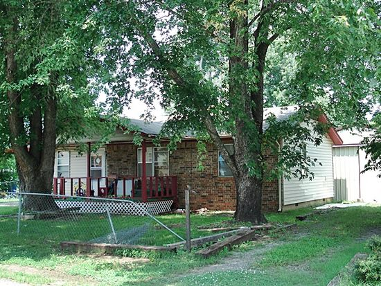 612 Green Country Dr, Tahlequah, OK 74464