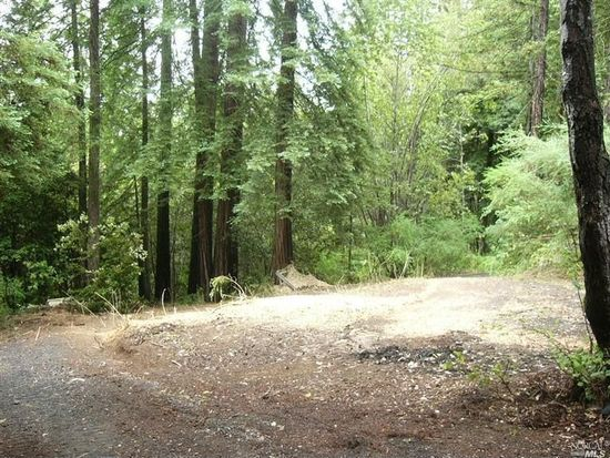 17583 Woods Ave, Guerneville, CA 95446
