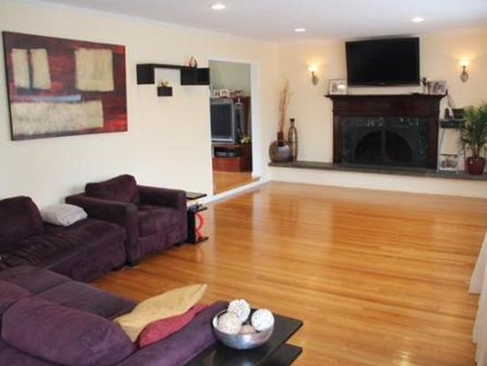 7 Trager Rd, Marblehead, MA 01945