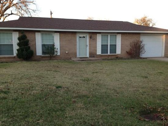805 S Thompson Ave, Cushing, OK 74023