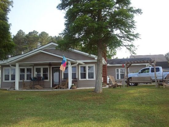 451 Pungo Shores Dr, Belhaven, NC 27810