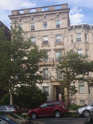465 Park Dr APT D, Boston, MA 02215