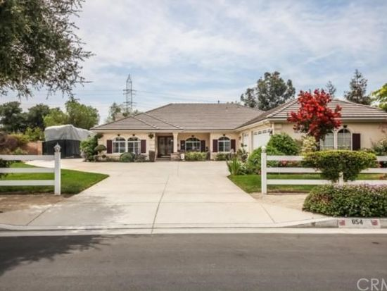 654 W Baseline Rd, San Dimas, CA 91773