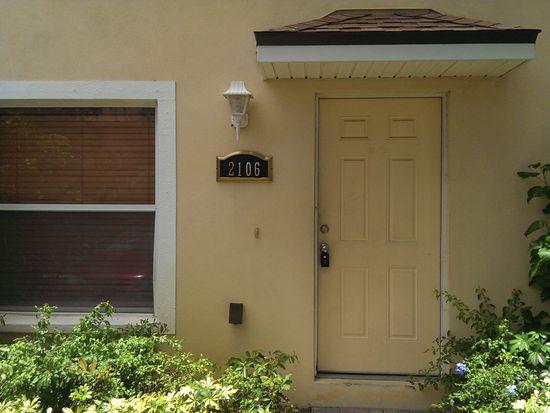 2106 Oak Chace Ct, Tampa, FL 33613
