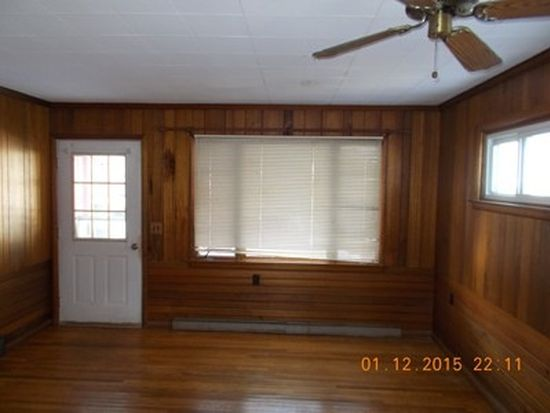 909 Porter St, Meadville, PA 16335