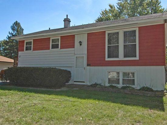 1607 Seminole Ln, Carpentersville, IL 60110