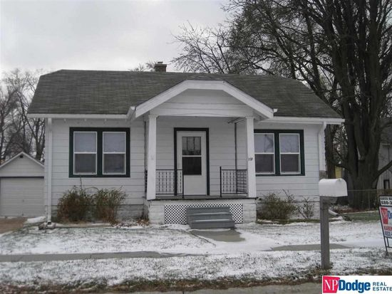 203 N East St, Valley, NE 68064
