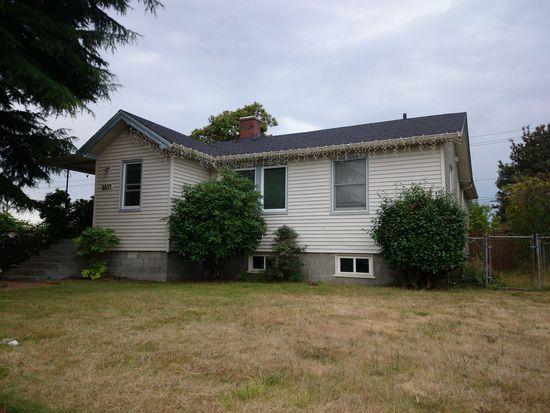 8857 32nd Ave SW, Seattle, WA 98126