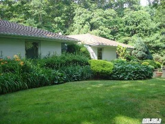 97 Wilmington Dr, Melville, NY 11747