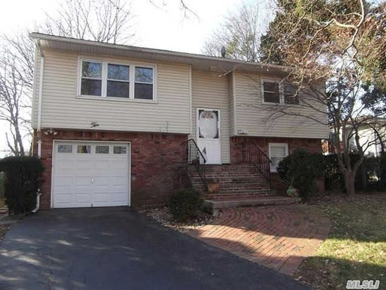 10 Wagner Ct, Melville, NY 11747