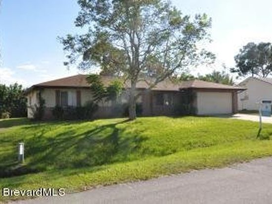 620 Banks St NW, Palm Bay, FL 32907