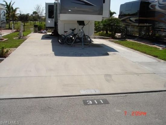 311 Goldfish Ln, Fort Myers Beach, FL 33931
