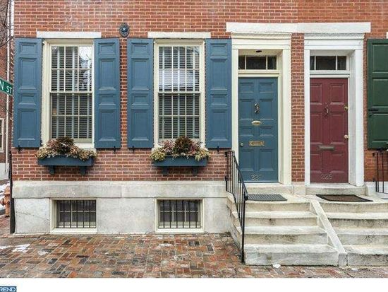 227 Delancey St, Philadelphia, PA 19106