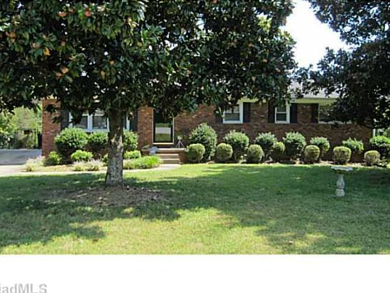 1504 Fleming Rd, Greensboro, NC 27410