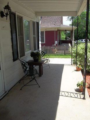 521 E Jackson St, Woodstock, IL 60098