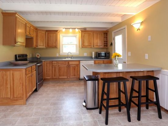 6 Thornell Rd, Newton, NH 03858